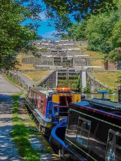 Bingley five Rise locks Canal Barge, Canal Boat, Dutch Barge, Narrow Boat, Flower Beds, Rivers, Bridges, Yorkshire, Britain