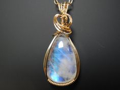 i dont' know why.. but i am so obsessed with moonstone now. NEED this one!
