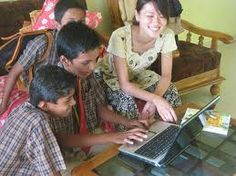 Online jobs for students provide unique openings to earn income at their ideal time. Here I listed useful websites for the students can make money online. Online Jobs For Students, Student Jobs, Make Money Online, How To Make Money, Online Income, Free Courses, Health Advice, Training Courses, Human Resources
