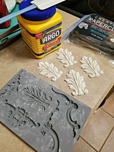 DIY Decorative Furniture Painting and Home Decor, DIY and Crafts, These are so fun to make. They really add a bit of fancy to boring furniture. Furniture Repair, Paint Furniture, Furniture Projects, Furniture Makeover, Furniture Decor, Diy Projects, Wooden Furniture, Furniture Vintage, Furniture Cleaning