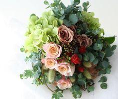 クラッチブーケ 千日紅とカフェラテとユーカリ : 一会 ウエディングの花