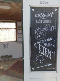 krijtbord tekening bij champignon kwekerij de Hopwaag en Hoppies Chalkboard Quotes, Art Quotes, Mushroom