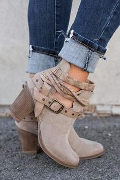 Baytown Buckle Booties (Taupe)