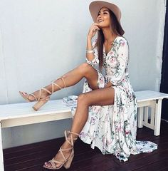 Floral maxi dresses are beautiful summer outfits!