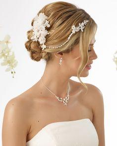 Beautiful headpiece 7488 from Bianco Evento Boho Headpiece, Headpiece Jewelry, Headpiece Wedding, Bridal Headpieces, Hair Jewelry, Fascinator, Bridal Jewelry, London Bride, Perfect Wedding Dress