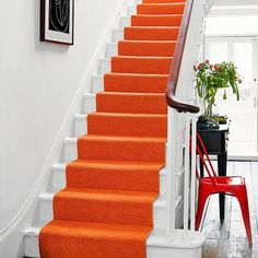 Carpet runner for stairs - striped, herringbone, flat woven, modern & wool. Interior design ideas by House & Garden. Design Hotel, Restaurant Design, Hallway Decorating, Interior Decorating, Decorating Ideas, Decor Ideas, Murs Beiges, Staircase Runner, Stair Runners
