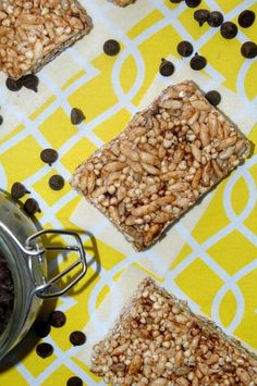 Healthy, vegan PUFFED RICE BREAKFAST BARS for the entire family! A nutritious and delicious breakfast or grab n' go snack!