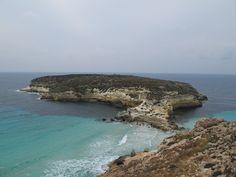 -SIcilia – Lampedusa.Spiaggia dell'Isola dei Conigli. Prenota le vacanze in Sicilia e in provincia di Trapani. Affitti,escursioni, servizi turistici, appartamenti, case, ville di lusso, B&B, camere da privati
