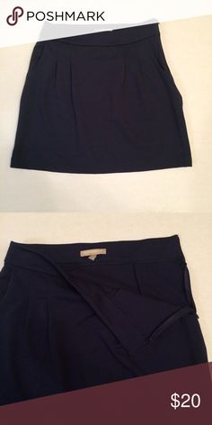 """Banana Republic Pleated Skirt with Pockets Navy Blue Skirt from Banana Republic  Has small pleats in the sides and also pockets!  Size: 4 Waist: 15""""  Length: 17.5"""" Banana Republic Skirts"""