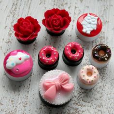 Adorable girlie plugs