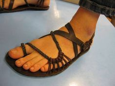 Výroba barefoot sandálů::Zlatadilna