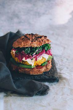 Spiced cauloflower burger with avocado and sauerkraut | TheAwesomeGreen.com