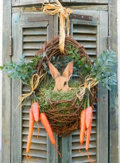 Paaskrans Door Wreath Spring Easter Wreath Bunny Easter Front Door Wreath with Carrots - Last One Available Spring Door Wreaths, Easter Wreaths, Wreaths For Front Door, Holiday Wreaths, Holiday Crafts, Christmas Decorations, Outdoor Easter Decorations, Spring Decorations, Thanksgiving Holiday