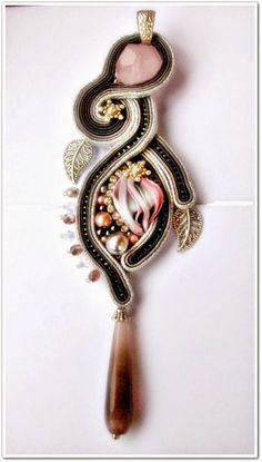 """Galeria Bajka Soutache Jewelry: Wisior """"Zapomniana róża"""""""