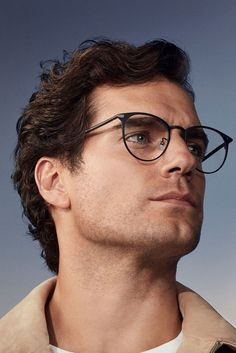 The latest eyewear is here, worn by actor Henry Cavill, whose drive and focus paved the way to his success Henry Caville, Love Henry, King Henry, Gorgeous Men, Beautiful People, Henry Superman, Henry Williams, Outfits Casual, Look Girl