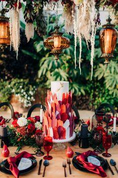 Rich Burgundy Wedding Inspiration from Calgary, Alberta via Confetti Magazine Black Wedding Cakes, Amazing Wedding Cakes, Fall Wedding Cakes, Elegant Wedding Cakes, Wedding Cake Designs, Wedding Desserts, Elegant Cakes, Whimsical Wedding, Wedding Themes