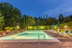 Villa Tintoretto | Toskana, Provinz Arezzo, Monterchi, 6-10 Personen, cypress, olive groves, large pool, lush gardens, sun beds and umbrellas, perfect vacation. #tuscanvillasforrent #tuscanyvillasforrent #italyvillas #Italianvillas #italianvillasforrent #vacation #italytravel #urlaub #toskanaferienhaus #ferienahaus #italianweddingvilla #villasforrent #luxuryvilla #italianluxuryvilla #tuscanyluxuryvilla #tuscanyvillaswithpool #holidayhomes #italianholidayhomes #tuscanyholidayhomes…