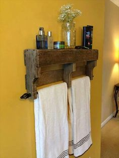 Love this towel rack shelf! 30 DIY Furniture Made From Wooden Pallets