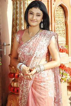 Ragini Khanna in Saree Beautiful Dress Designs, Beautiful Saree, Beautiful Indian Actress, Beautiful Actresses, Ragini Khanna, Indian Wife, Cute Beauty, India Beauty, Traditional Dresses