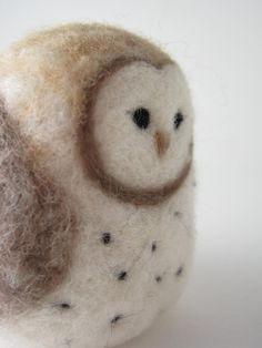 Barn Owl Needle Felted Wool Sculpture by PeakVintage on Etsy Needle Felted Owl, Felted Wool, Felt Animals, Cute Animals, Little Barn, Black Spot, Sheep Wool, Bunny Rabbit, Felt Crafts