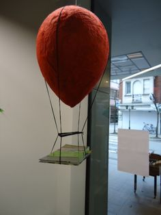 luchtballon in papier maché