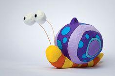 """""""Snail"""", personaje para móvil infantil. Medidas: 7 x 9 x 11 cm."""