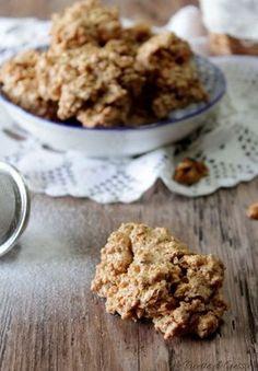 biscotti brutti ma buoni alle noci nocciole mandorle