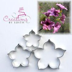 Resultado de imagen de petunias de porcelana fria
