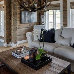 House white trim living rooms ideas for 2019 Cabin Homes, Log Homes, My Living Room, Home And Living, Cabin Interiors, Sofa Home, Cabins And Cottages, Transitional Decor, Interior Exterior