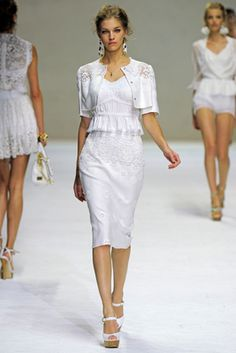 Dolce & Gabbana Spring 2011 Ready-to-Wear Fashion Show: Complete Collection - Style.com