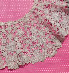 Etsy listing at https://www.etsy.com/listing/181745173/antique-lace-collar-handmade-brussels