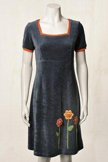 du milde kjoler - Google-søgning Frocks, Knit Dress, Crochet Patterns, How To Make, How To Wear, Short Sleeve Dresses, Fancy, Sewing, Knitting