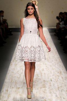 Tendencias 2013 vestidos blanco para el verano - Blugirl