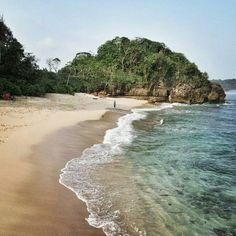 25 Mei 2015. Pantai Selok, Desa Sumberbening, Kec Bantur, Kab Malang.