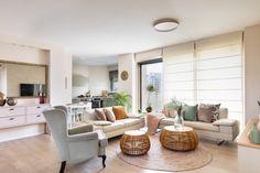 שיפוץ ועיצוב דירה בחולון Outdoor Furniture Sets, Outdoor Decor, Dining Bench, Living Room, Home Decor, Decoration Home, Table Bench, Room Decor, Home Living Room