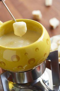 Fondue de queijo: dicas de acompanhamentos e queijos