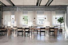 Мебельный шоу-рум Brdr. Krüger под Копенгагеном: работа бюро OEO Studio   AD Magazine