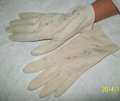 Womens vintage dress gloves  vintage nylon gloves by NewtoUVintage