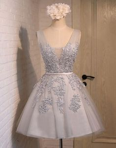 Short prom dress for teens, 2017 cute v-neck light grey tulle + lace applqiues homecoming dress