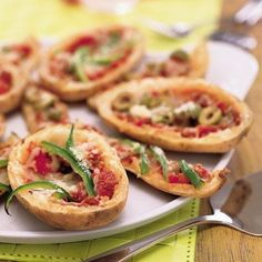 How To Make Pizza: Cheesy Potato Skin Pizza Recipe