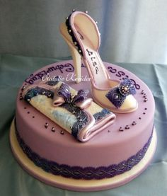Resultado de imagen para imagen de tortas de 15 años con fondant High Heel Cakes, Shoe Cakes, Purse Cakes, Pretty Cakes, Beautiful Cakes, Amazing Cakes, 25th Birthday Cakes, Birthday Cakes For Women, Fashionista Cake