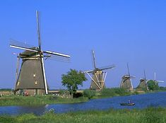 Google Image Result for http://media-3.web.britannica.com/eb-media/35/20035-004-0E17DE04.jpg    Kinderdijk, Netherlands