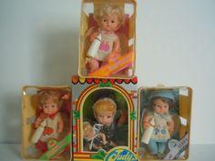 1970'S EEGEE DRINK & WET BABY DOLLS STRAWBERRY, RASPBERRY , BLUEBERRY IN BASKETS #EEGEECOJUDYBABYDOLLSCOHONGKONG #DollswithClothingAccessories