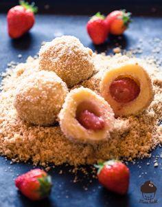 Erdbeer Topfenknödel [Der Mehlspeisenklassiker]