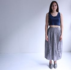 grey graphic print midi skirt s by cheapopulance on Etsy, $30.00