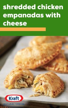 Shredded Chicken Empanadas with Cheese – Serve up a delicious burst of flavor when you try out this recipe. Simply combine shredded cooked chicken, Mexican-style cheese, chipotle aioli, and fresh cilantro for the delicious empanada filling. Cooking Chicken To Shred, Cooked Chicken, Chicken Chili, Shredded Chicken, Grilled Chicken, Yummy Chicken Recipes, Yum Yum Chicken, Mexican Food Recipes, Vegetarian Recipes