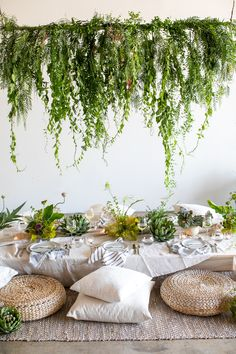 DIY Wedding Ideas, Wedding Vendors, Wedding Venues, Recycle Your Wedding, Shop Wedding Supplies - 100 Layer Cake Gold Birthday Party, Birthday Parties, Birthday Party Venues, Girls Dinner Parties, Gypsy Party, 21st Bday Ideas, Parachute Home, Picnic Dinner, Dinner Party Decorations