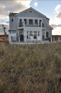 Beach Cottage with inspiring coastal interiors and coastal decor. #CoastalInteriors #CoastalDecor