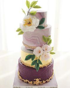 Marbled shades of pantone purple wedding cake on satinice.com | Moei Sugar Art