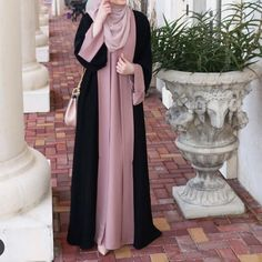 Salmah abaya by zhafran – berbahan crep premium – seleting samping – panjang dre… Moslem Fashion, Niqab Fashion, Modern Hijab Fashion, Hijab Fashion Inspiration, Fashion Dresses, Abaya Mode, Mode Hijab, Hijab Style Dress, Abaya Style